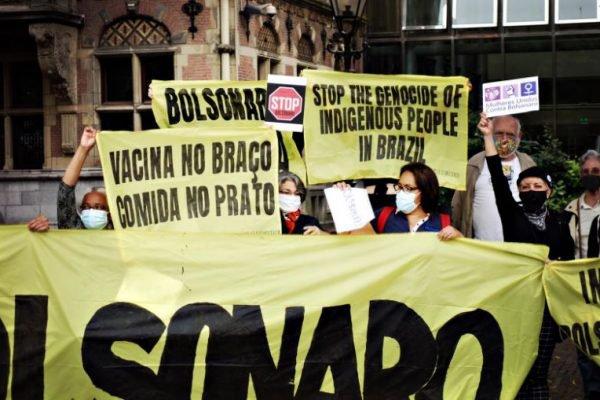 Protesto contra Bolsonaro na Europa