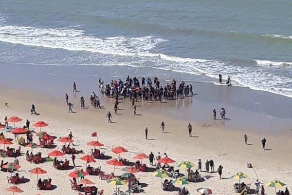 Homem atacado por tubarão em praia do Recife