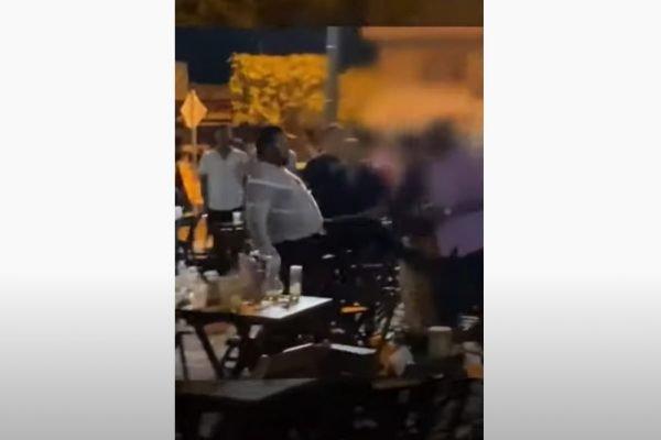 goias pm agride homem em bar