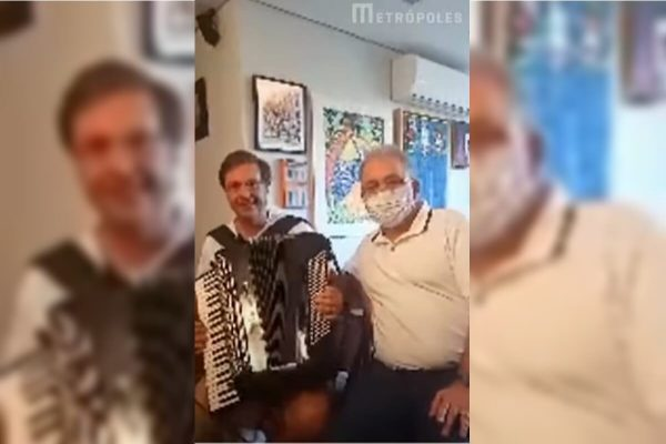 Ministros Gilson Machado e Queiroga fazem live cantando e tocando sanfona