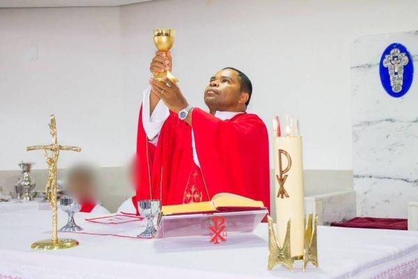 Padre do DF renuncia ao cargo