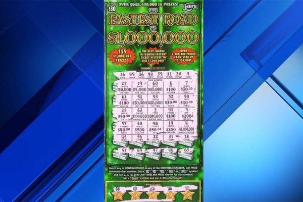 Mulher ganhou loteria após comprar raspadinha para de distrair