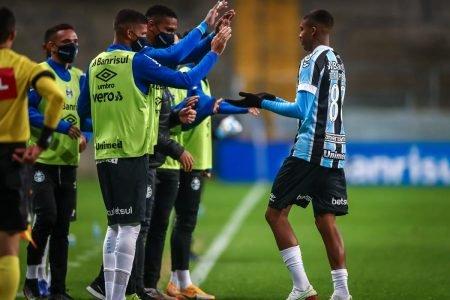Grêmio derrota o Vitória na Copa do Brasil