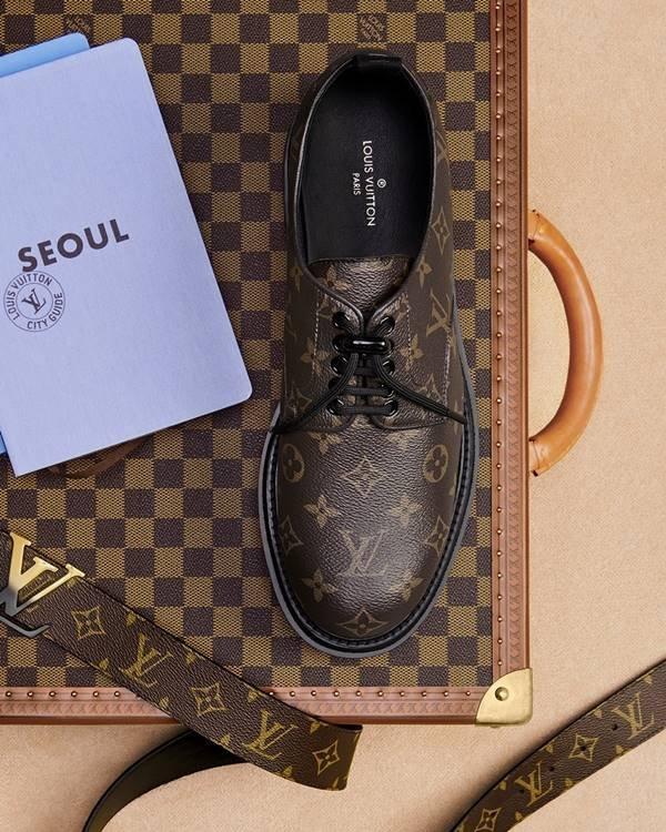 Sapato e mala da Louis Vuitton