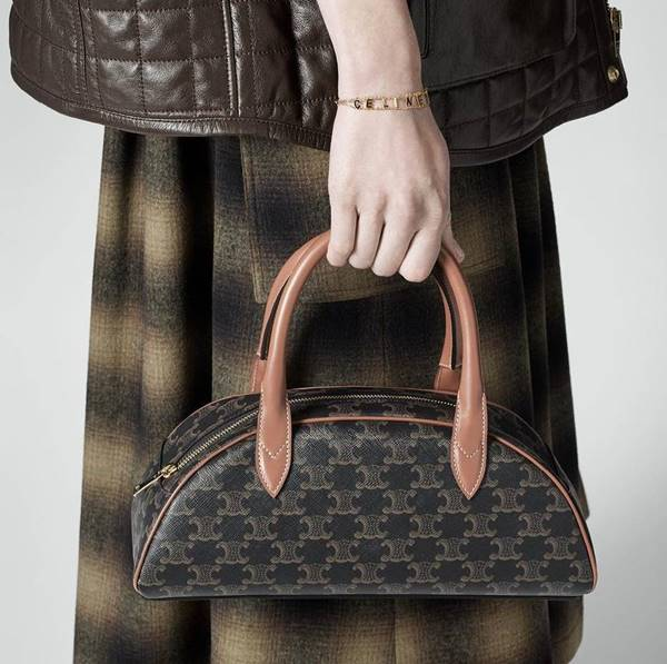 Bolsa com monograma da Celine