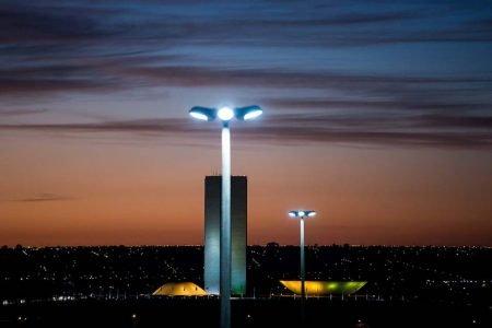Problemas com iluminação pública no DF? Saiba como buscar atendimento