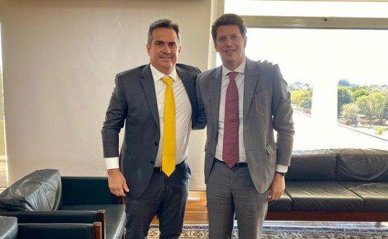 Ministro-chefe da Casa Civil, Ciro Nogueira, e o ex-ministro do Meio Ambiente, Ricardo Salles