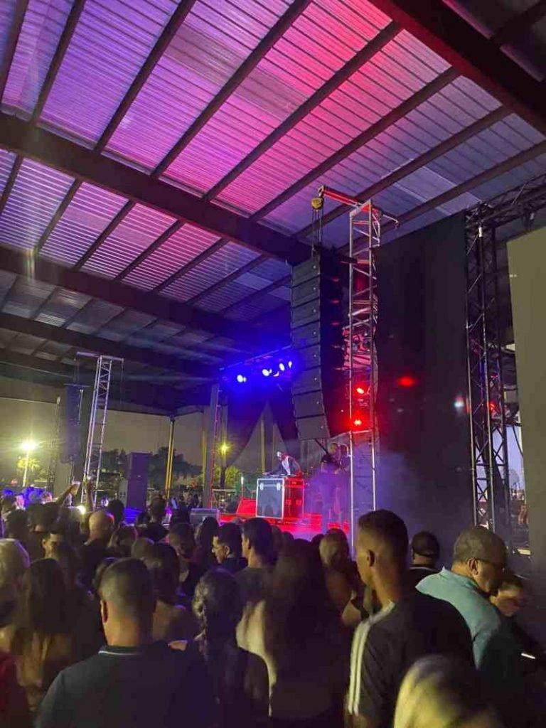 Assessoria de Gusttavo Lima explica polícia no show em Orlando