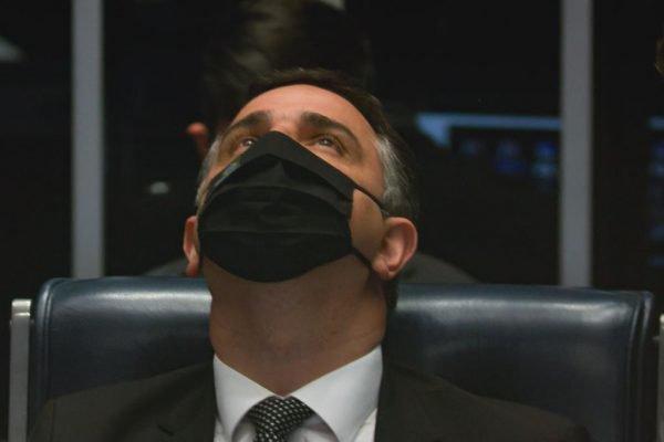 Na presidência o senador Rodrigo Pacheco Senado Federal no final da votação da PL 2.108:2021, que revoga Lei de Segurança Nacional 3