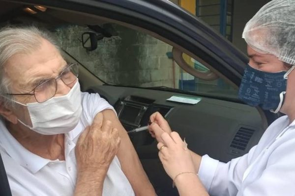 tarcisio meira toma vacina horizontal