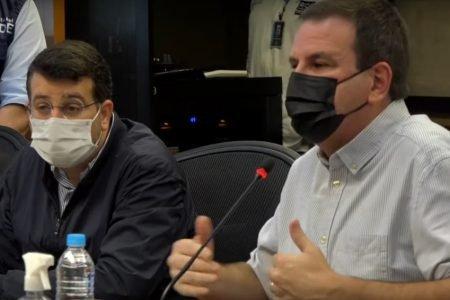 O prefeito Eduardo Paes e o secretário de Saúde, Daniel Soranz, durante a divulgação do Boletim Epidemiológico do Município do Rio