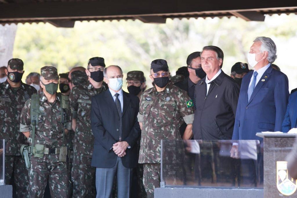 Presidente Jair Bolsonaro participa da solenidade de Passagem de Comando do Comandante de Operações Especiais em Goiania