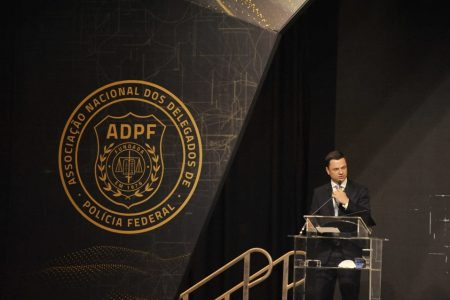 Ministro Anderson Torres participa de congresso da ADPF