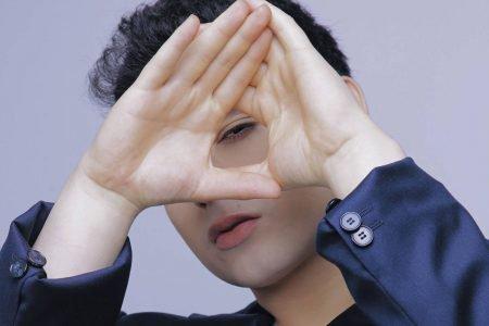 Cantor pop Vitor Fadul lança primeiro single autoral