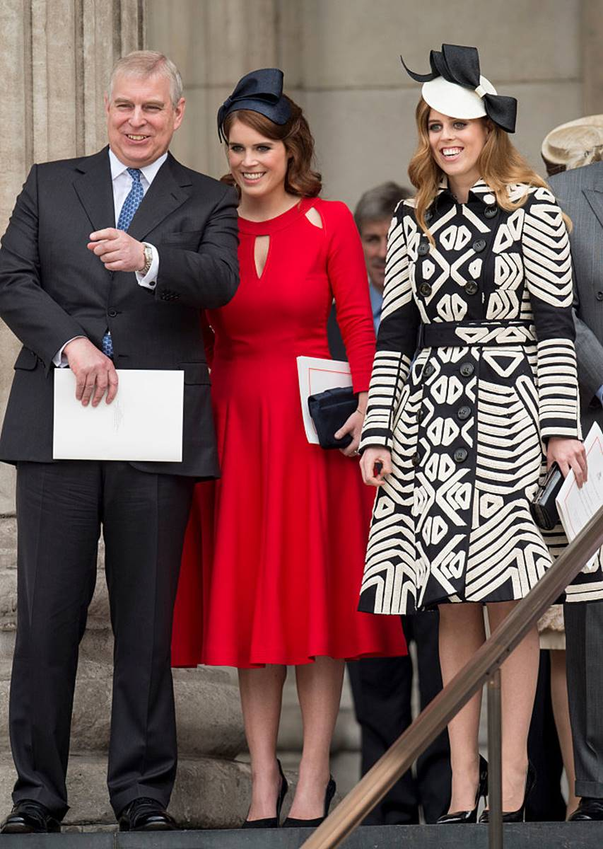 Príncipe Andrew e as princesas Beatrice e Eugenie