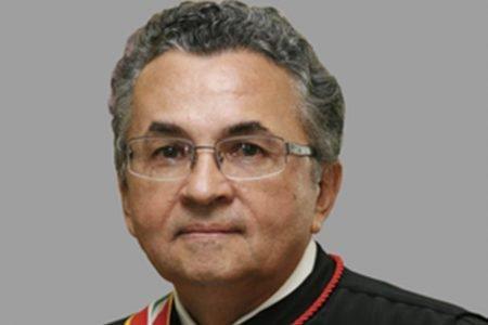 Desembargador do TJDFT João Timóteo de Oliveira