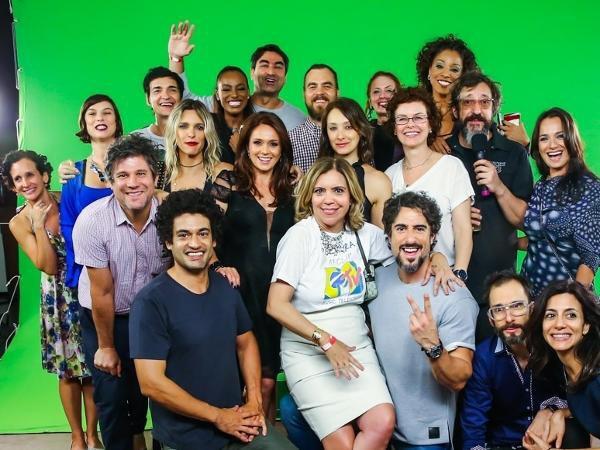 ex-vjs-da-mtv-se-reuniram-em-sao-paulo-para-comemorar-o-aniversario-de-25-anos-da-emissora-que-deixou-a-tv-aberta-em-2013-zeca-camargo-fernanda-lima-astrid-fontenelle-marcos