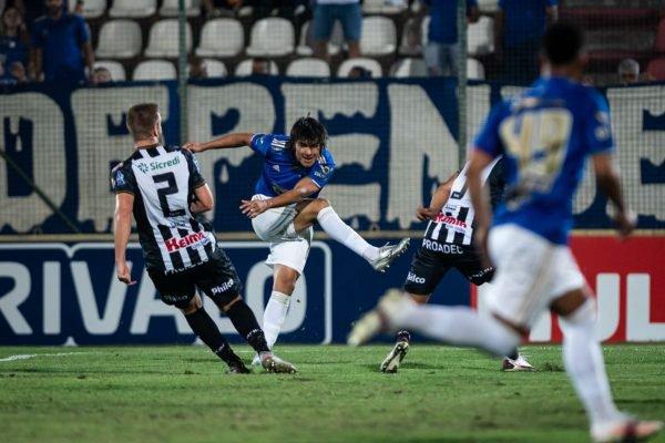 Cruzeiro x Operário