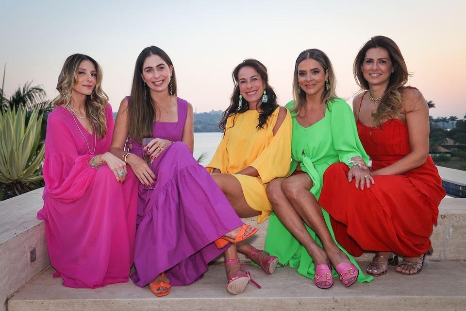 Mayra Perin, Caroline Collor, Andréa Cabrera, Silvana Chaves e Thaienne Fernandes