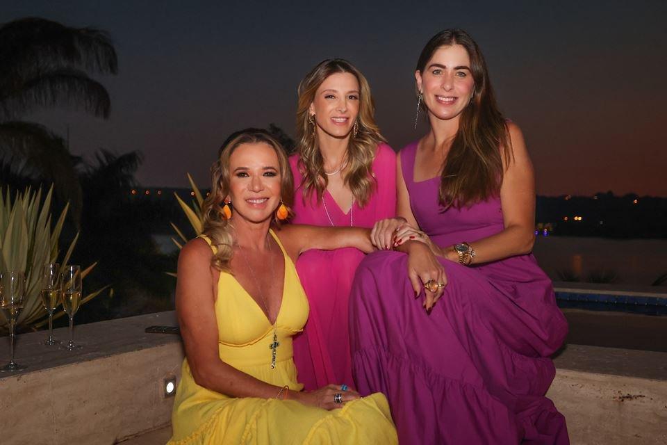 Kika Cardoso, Mayra Perin e Caroline Collor