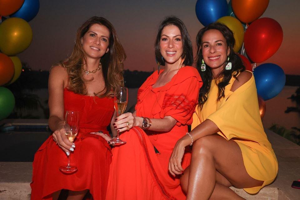 Thaienne Fernandes, Lara Torres e Andréa Cabrera