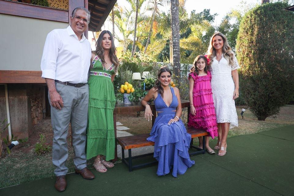 Marcelo, Maria Júlia, Maria Eduarda, Maria Fernanda e Lorena Maia