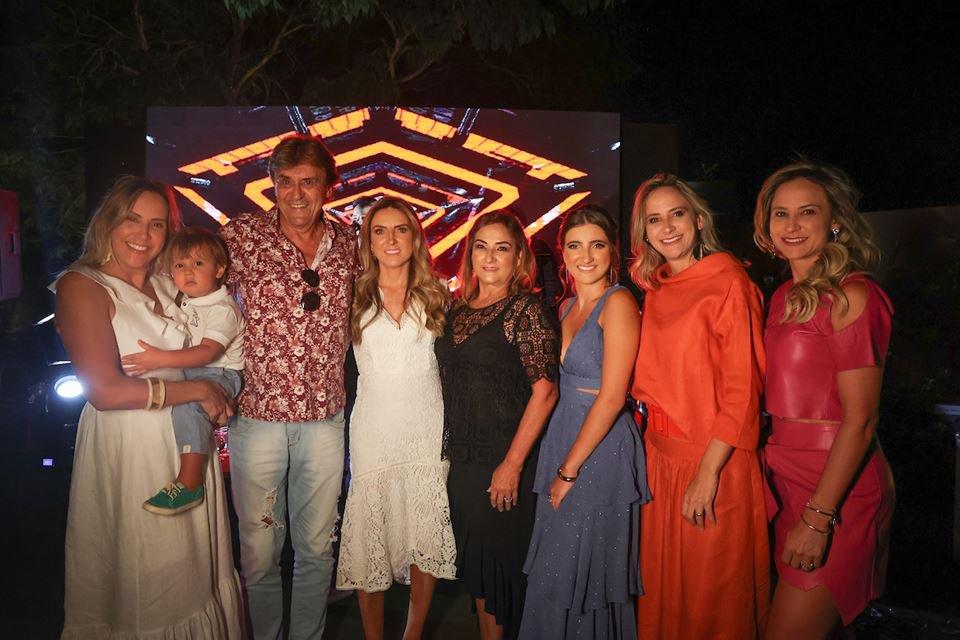 Patrícia Monteiro, Lorenzo Araújo, Tadeu Roriz, Lorena Maia, Patrícia Almeida, Maria Eduarda Maia, Juliana e Luciana Araújo