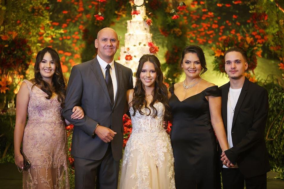 Samara Lim, Maurício Valim, Maria Luiza Lim, Danielle Lim e João Gabriel Lim