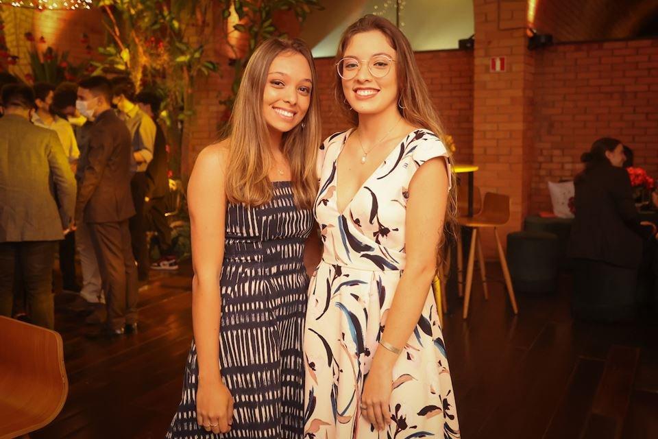 Laura e Júlia Dourado