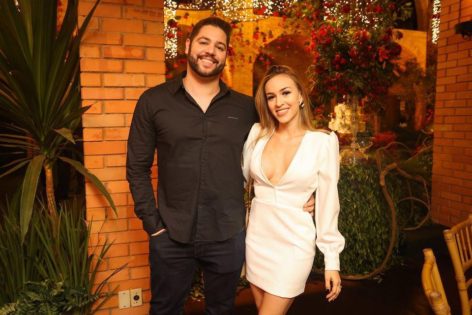 Tiago Silva e Júlia Ferreira