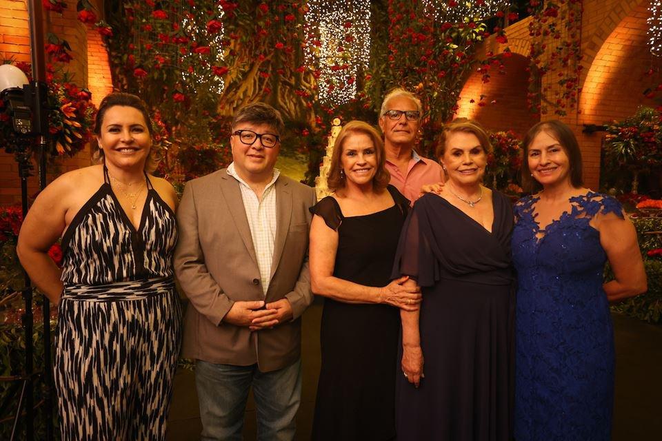 Célia Romeiro, Charles Lu, Maria Auxiliadora, Luiz Oliveira, Lola Lim e Neidinha Rodrigues