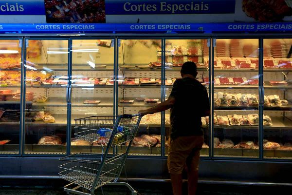 Carne - preço elevado nos mercados