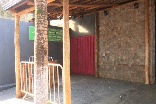 O crime aconteceu em frente a um bar, depois de discussão em fila do caixa