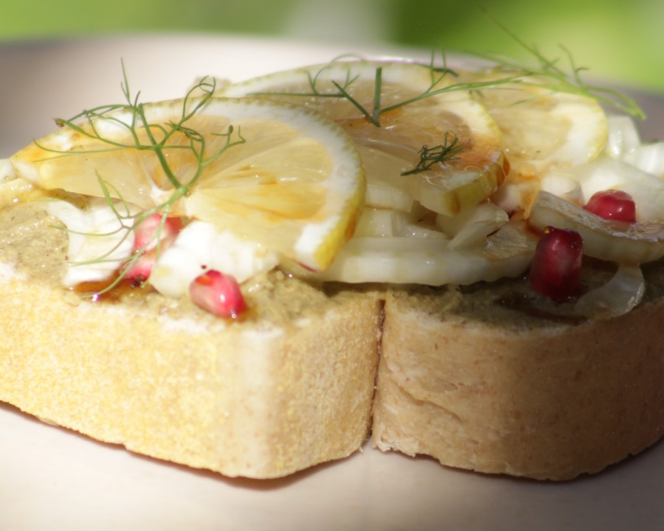 Toast de babaganoush, 002 Café