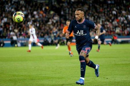 Neymar em campo pelo PSG