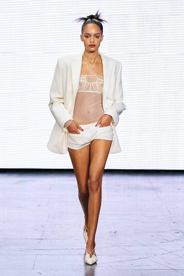 Look by Nensim Dojaka de primavera/verão 2022 para o London Fashion Week