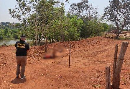 Homem morre após ficar preso em cerca de arame farpado por 6 horas