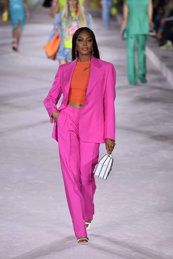 Naomi Campbell na passarela de primavera/verão 2022 da Versace
