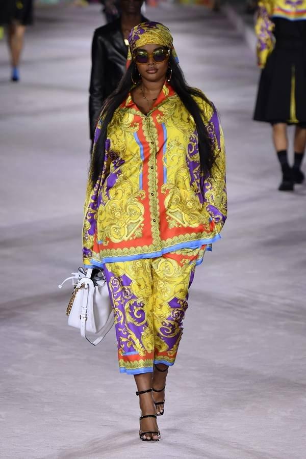 Passarela de primavera/verão 2022 da Versace