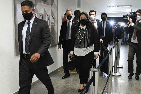 Bruna Morato em depoimento à CPI