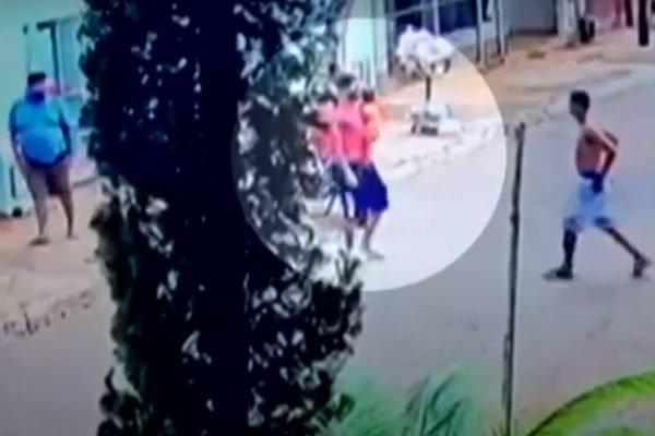 vizinhos arrombam casa incendiada para salvar bebês gêmeos deixados sozinhos pela mãe em goiânia