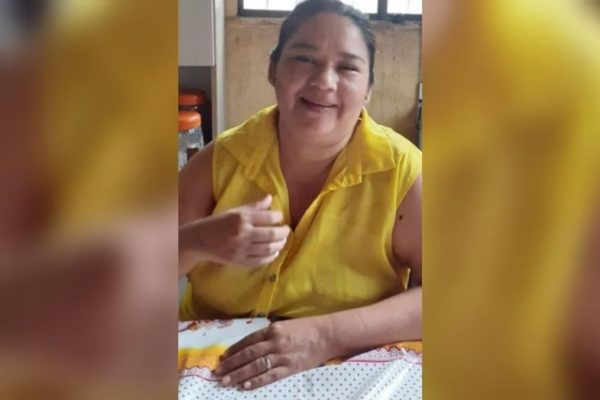 Mulher procura irmã desaparecida há 10 meses, em Manaus