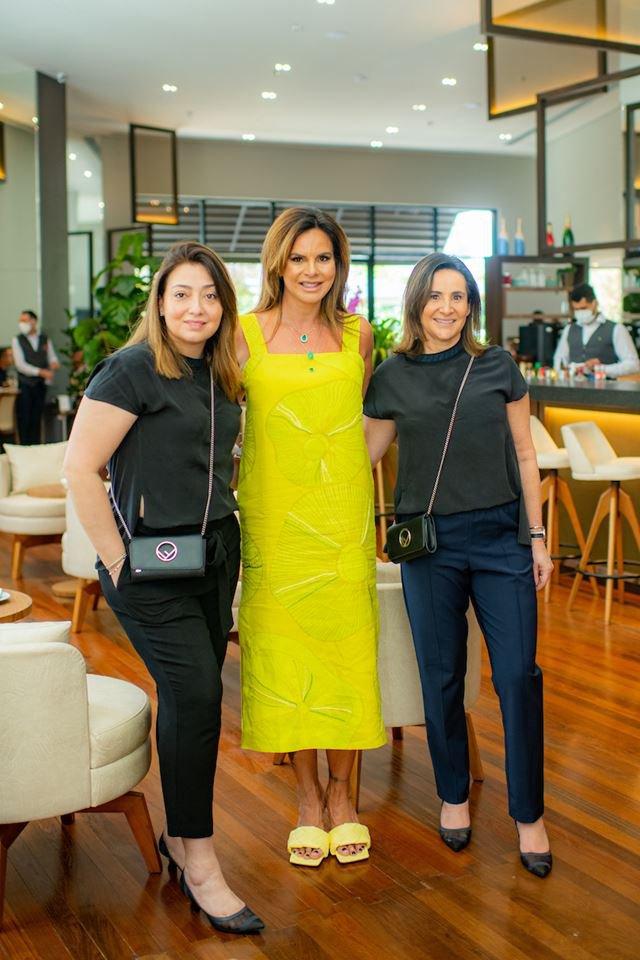 Claudia Salomão com a equipe da Fendi, Savina Cuello e Claudia Bahi