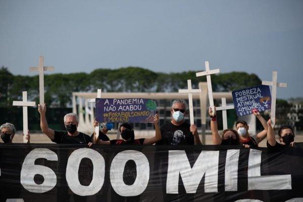 Manifestação pelas 600 mil mortes de Covid-19