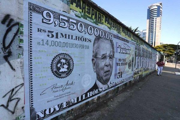 Guedes vai a Washington, em reunião com FMI, e deve atrasar depoimento à Câmara