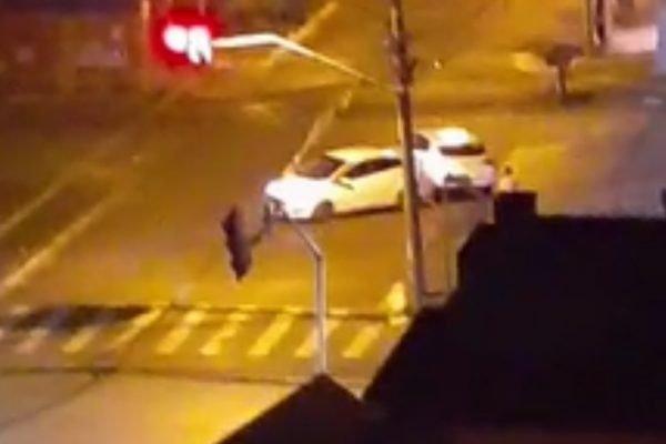 goias homem tenta atropelar policial
