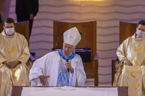 arcebispo de Aparecida, em missa Dom Orlando Brandes