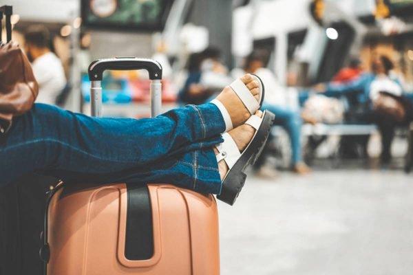 Viagem aeroporto pernas