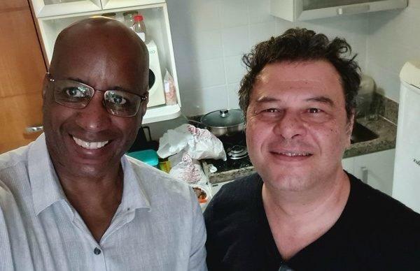 Petrucelli ao lado de Sergio Camargo