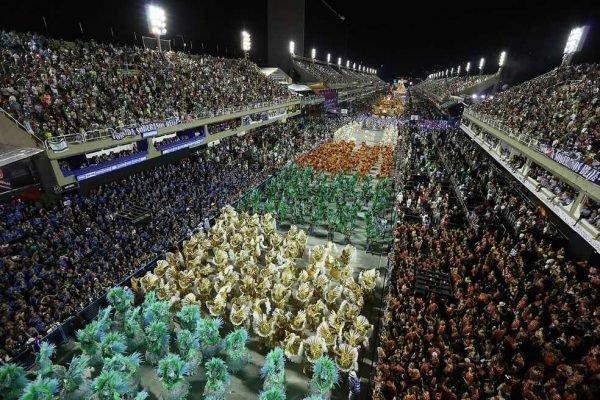 Venda de ingressos para desfiles de escolas de samba do Rio em 2022 começam nesta quinta (14)